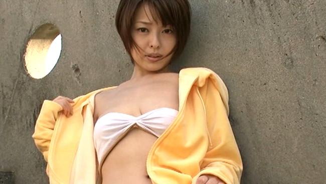 【おっぱい】大きな瞳と85センチの絶品柔らかプニプニバストを持った、吉川麻衣子ちゃんのおっぱい画像がエロすぎる!【30枚】 23