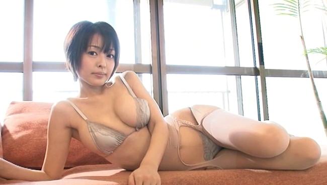 【おっぱい】大きな瞳と85センチの絶品柔らかプニプニバストを持った、吉川麻衣子ちゃんのおっぱい画像がエロすぎる!【30枚】 29