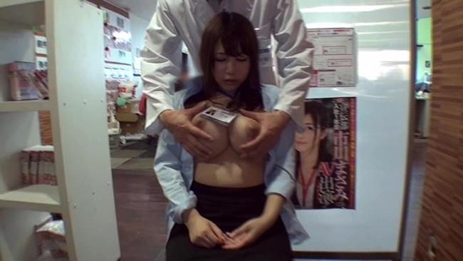 【おっぱい】お医者さんにおっぱいを触診といういたずらで弄ばれる女の子の画像がエロすぎる!【30枚】 19