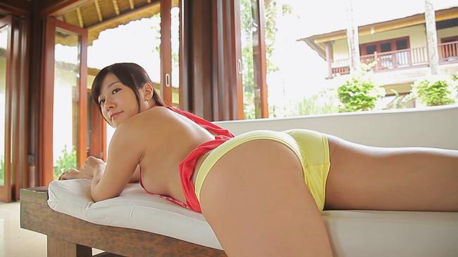 【おっぱい】スレンダー系ながら、ヒップが大きくセクシーな腰つきをしている美少女・大貫彩香ちゃんのおっぱい画像がエロすぎる!【30枚】 08
