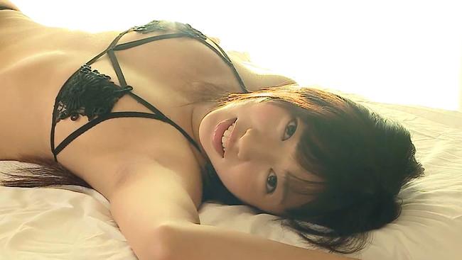 【おっぱい】スレンダー系ながら、ヒップが大きくセクシーな腰つきをしている美少女・大貫彩香ちゃんのおっぱい画像がエロすぎる!【30枚】 19