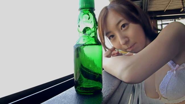 【おっぱい】CMや映画など、女優、声優としてでも活躍中のアイドル・飯田里穂ちゃんのおっぱい画像がエロすぎる!【30枚】 21