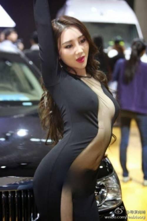 【おっぱい】中国のモデルさんやキャンペーンガールたちの過激なおっぱい画像【30枚】 04