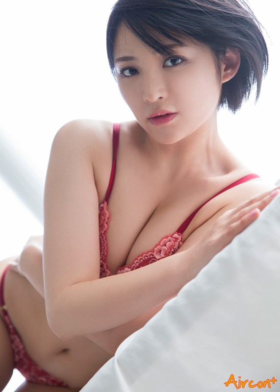 【おっぱい】めちゃくちゃ可愛くて小ぶりなおっぱいも魅力的!活発で明るい鈴木咲ちゃんのおっぱい画像がエロすぎる!【30枚】 25
