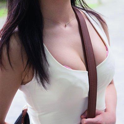 【おっぱい】服の上からでもおっぱいが強調されちゃうパイスラッシュ状態の女の子のおっぱい画像がエロすぎる!【30枚】 28