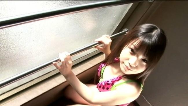 【おっぱい】ふんわりな雰囲気と幼い笑顔で、可愛さ抜群!ちっちゃくて超天然美少女の秋乃みずきちゃんのおっぱい画像がエロすぎる!【30枚】 08