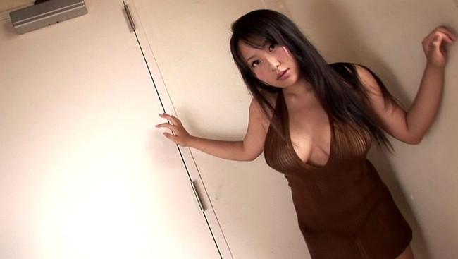 【おっぱい】プルップルなバスト97cmのIカップ!巨乳グラビアアイドル・有川知里ちゃんのおっぱい画像がエロすぎる!【30枚】 30