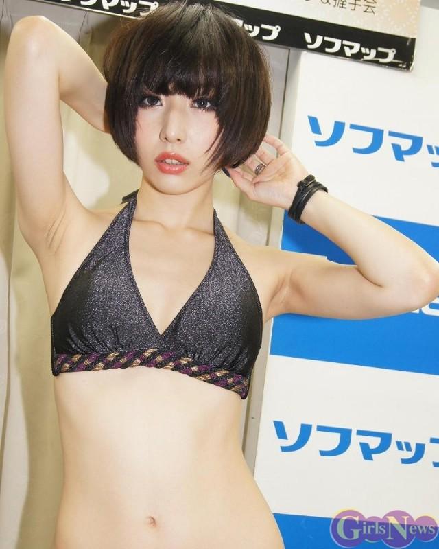 【おっぱい】エロ可愛さあふれる!スレンダーなボディと魅惑的なバストが最高に眩しい相田あずさちゃんのおっぱい画像がエロすぎる!【30枚】 06