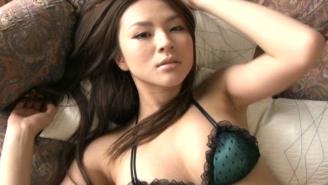【おっぱい】長身スレンダーで愛嬌がある!関西中心で活躍しているグラビアアイドル・赤松悠実ちゃんのおっぱい画像がエロすぎる!【30枚】 13