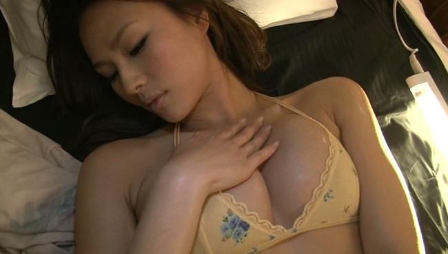 【おっぱい】長身スレンダーで愛嬌がある!関西中心で活躍しているグラビアアイドル・赤松悠実ちゃんのおっぱい画像がエロすぎる!【30枚】 17