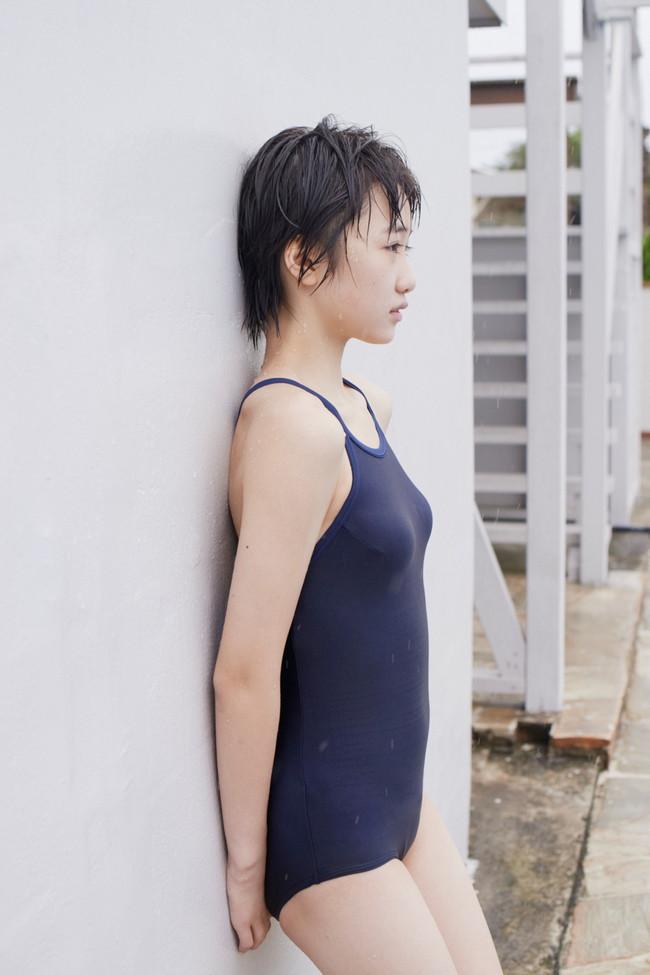 【おっぱい】学生の頃のプールを思い出す、スクール水着の女の子のおっぱい画像がエロすぎる!【30枚】 15