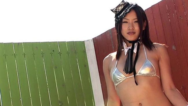【おっぱい】ドキドキの限界露出までやっちゃった!グラビアアイドル・麻海りあちゃんのおっぱい画像がエロすぎる!【30枚】 21