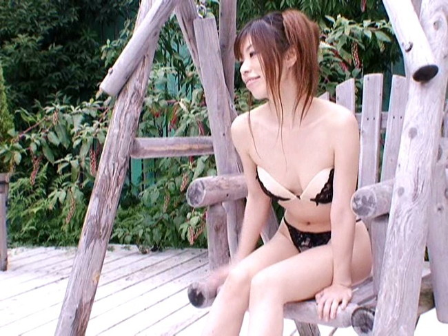 【おっぱい】スレンダーなボディを武器に美しいお尻を強調する小悪魔な雨宮めるちゃんのおっぱい画像がエロすぎる!【30枚】 08