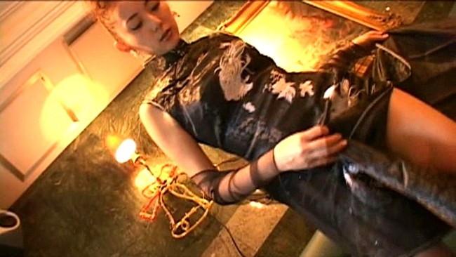 【おっぱい】冷静に対局を進めることから「アイスドール」と呼ばれている麻雀プロ&レースクィーンの和泉由希子さんの画像がエロすぎる!【30枚】 20