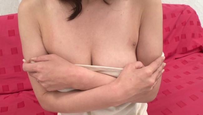 【おっぱい】撮影終わりにオフショットを取られてプライベートセックスを見せてくれる熟女AV女優のおっぱい画像がエロすぎる!【30枚】 19