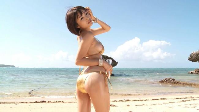 【おっぱい】スレンダーなカラダにワンダフルな巨乳!キュートなグラビアアイドルの糸山千恵ちゃんのおっぱい画像がエロすぎる!【30枚】 11
