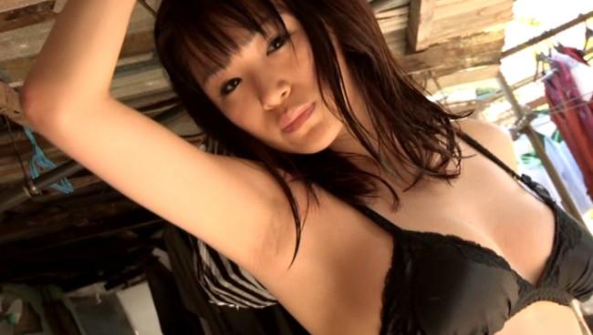 【おっぱい】スレンダーなカラダにワンダフルな巨乳!キュートなグラビアアイドルの糸山千恵ちゃんのおっぱい画像がエロすぎる!【30枚】 24