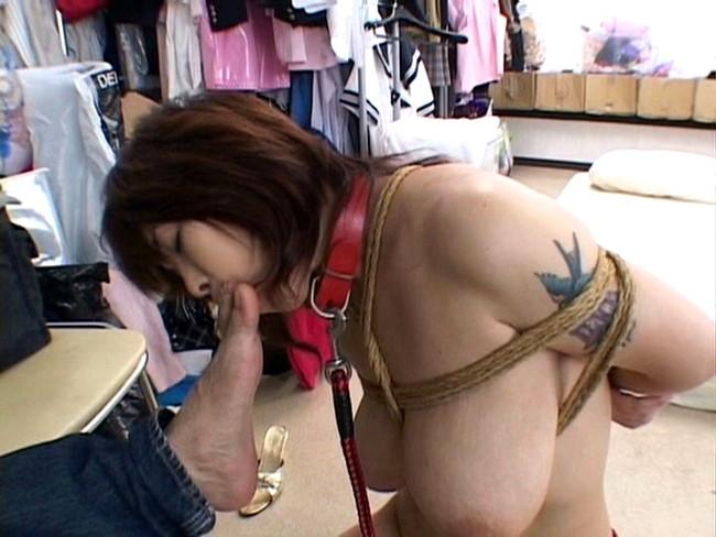 【おっぱい】脱いでびっくり玉手箱!タトゥーの入った女の子のおっぱい画像がエロすぎる!【30枚】 13