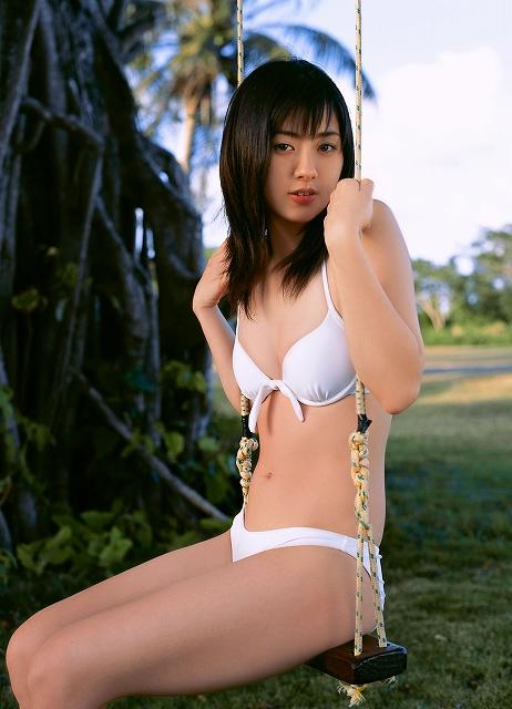 【おっぱい】第1回「ミスFLASH」グランプリ獲得!期待の美少女グラビアアイドル・稲生美紀ちゃんのおっぱい画像がエロすぎる!【30枚】 15