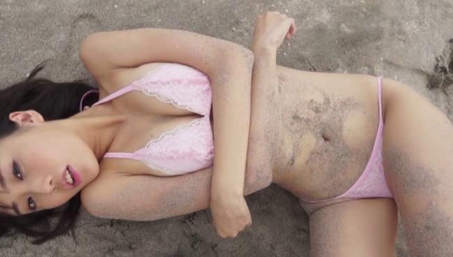 【おっぱい】168センチ B85・W58・H84 の完璧スレンダービューティーのグラドル・稲森美優ちゃんのおっぱい画像がエロすぎる!【30枚】 19