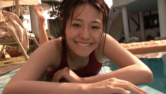 【おっぱい】人懐っこくて笑顔も可愛い!巨乳アイドルユニットKNUで活躍している、井上貴恵ちゃんのおっぱい画像がエロすぎる!【30枚】 12