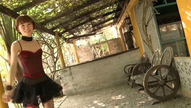 【おっぱい】女優・上野樹里の姉で、シンガー・ソングライター、タレントとして活躍をしている上野まなちゃんの画像がエロすぎる!【30枚】 10