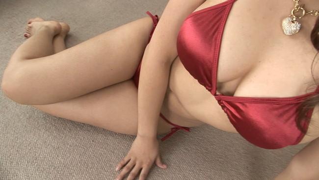 【おっぱい】マシュマロなオッパイにスレンダーなクビレ!とんでもない美脚と美乳をお持ちのグラドル・エリザちゃんのおっぱい画像がエロすぎる!【30枚】 09
