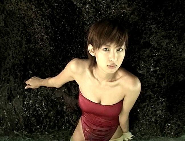 【おっぱい】マーメイドのような肢体と85cm、Fカップの弾むようなバストのグラビアアイドル・大久保麻梨子ちゃんのおっぱい画像がエロすぎる!【30枚】 11