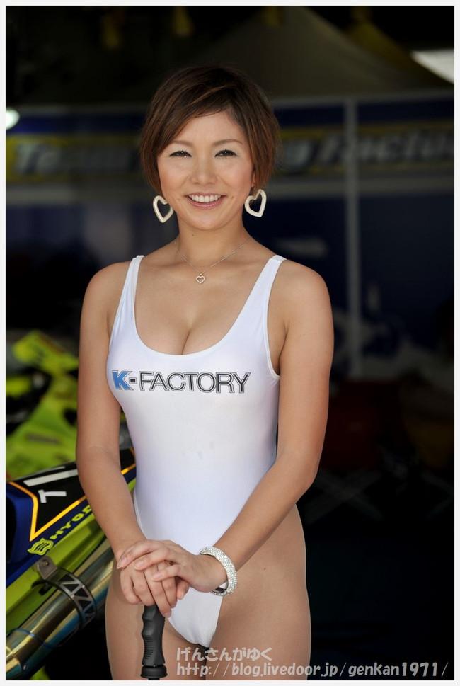 【おっぱい】2002、2003脚線美コンテスト連続グランプリ・Gカップ・レースクィーン岡田智美ちゃんのおっぱい画像がエロすぎる!【30枚】 12