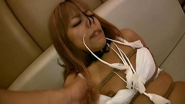 【おっぱい】鼻フックをされて顔がグチャグチャになった女の子のおっぱい画像がエロすぎる!【30枚】 30