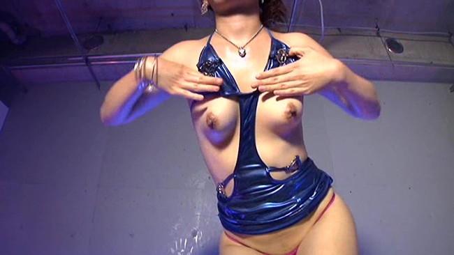 【おっぱい】ダンスの舞台で踊りまくる女性ダンサーのおっぱい画像がエロすぎる!【30枚】 20