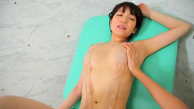 【おっぱい】TVでお馴染みのキュート&セクシーなお姉さま!巨乳グラビアアイドル・大崎由希ちゃんのおっぱい画像がエロすぎる!【30枚】 25
