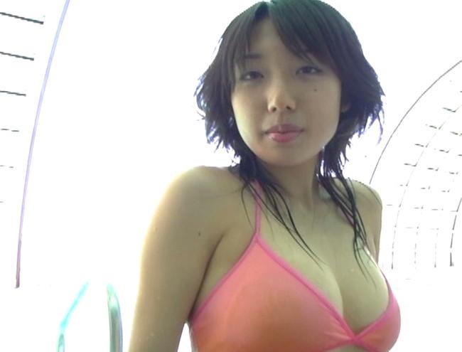 【おっぱい】フットサルで鍛えたムチムチボディが健康的!お笑いも得意なグラビアアイドル・太田彩乃ちゃんのおっぱい画像がエロすぎる!【30枚】 16