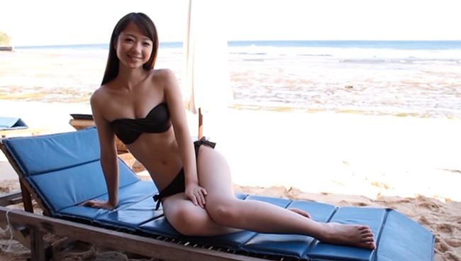 【おっぱい】モデル及び女優として雑誌やCM、映画出演など幅広く活躍している岡田茉奈ちゃんのおっぱい画像がエロすぎる!【30枚】 09