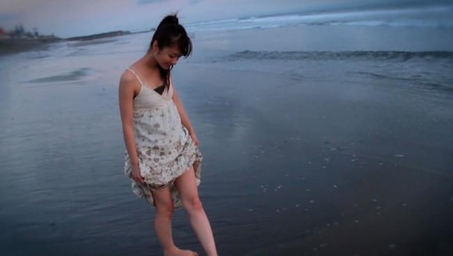 【おっぱい】モデル及び女優として雑誌やCM、映画出演など幅広く活躍している岡田茉奈ちゃんのおっぱい画像がエロすぎる!【30枚】 12