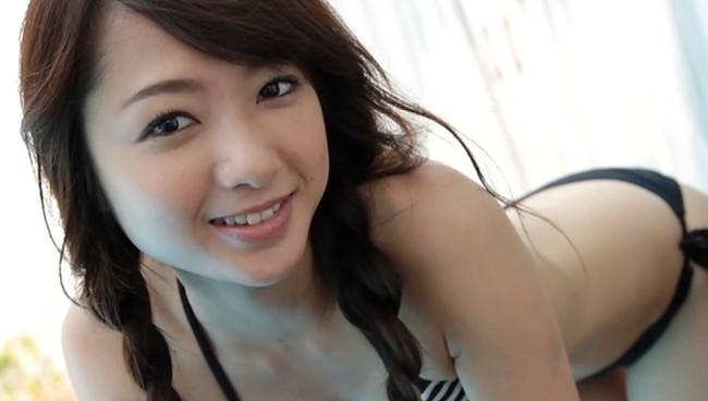 【おっぱい】モデル及び女優として雑誌やCM、映画出演など幅広く活躍している岡田茉奈ちゃんのおっぱい画像がエロすぎる!【30枚】 13