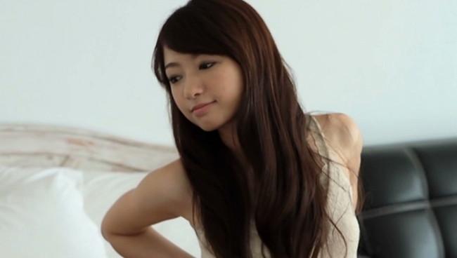 【おっぱい】モデル及び女優として雑誌やCM、映画出演など幅広く活躍している岡田茉奈ちゃんのおっぱい画像がエロすぎる!【30枚】 17
