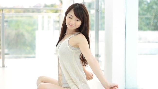 【おっぱい】モデル及び女優として雑誌やCM、映画出演など幅広く活躍している岡田茉奈ちゃんのおっぱい画像がエロすぎる!【30枚】 18