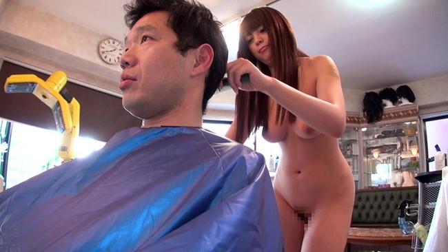 【おっぱい】美容院でこんなことまでされちゃう?!可愛い美容師さんのおっぱい画像がエロすぎる!【30枚】 05