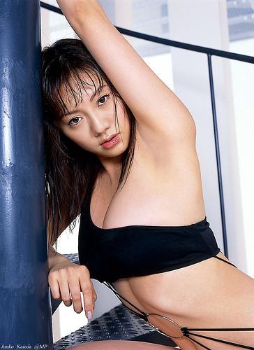 【おっぱい】美形フェイスとグラマラスボディを大胆披露したグラビアアイドル・海江田純子ちゃんのおっぱい画像がエロすぎる!【30枚】 13