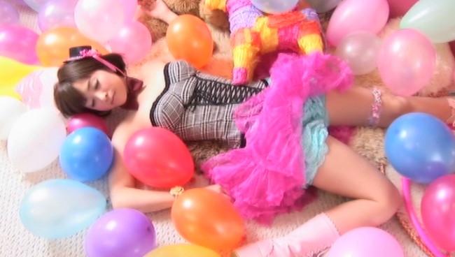 【おっぱい】グラビアだけでなく、TVやバラエティでも活躍していた元気いっぱい娘・加藤沙耶香ちゃんのおっぱい画像がエロすぎる!【30枚】 01