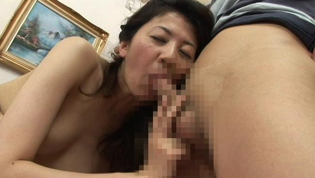 【おっぱい】奥までズップリ深く挿入できる究極のセックス!熟女は緩急付けて上下前後に腰を振りまくる画像がエロすぎる!【30枚】 17