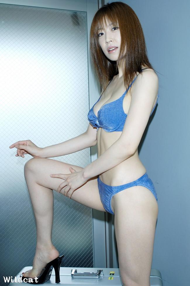 【おっぱい】セクシーポーズを連発。スレンダーな肢体と「着エロ」のアイドルとして君臨する川原洋子ちゃんのおっぱい画像がエロすぎる!【30枚】 11