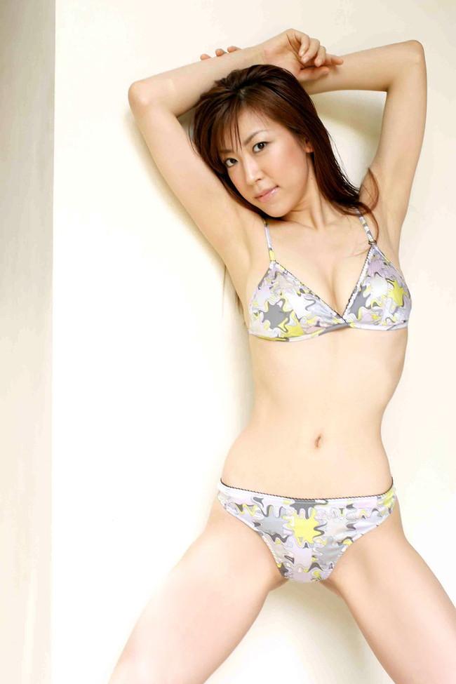 【おっぱい】セクシーポーズを連発。スレンダーな肢体と「着エロ」のアイドルとして君臨する川原洋子ちゃんのおっぱい画像がエロすぎる!【30枚】 18