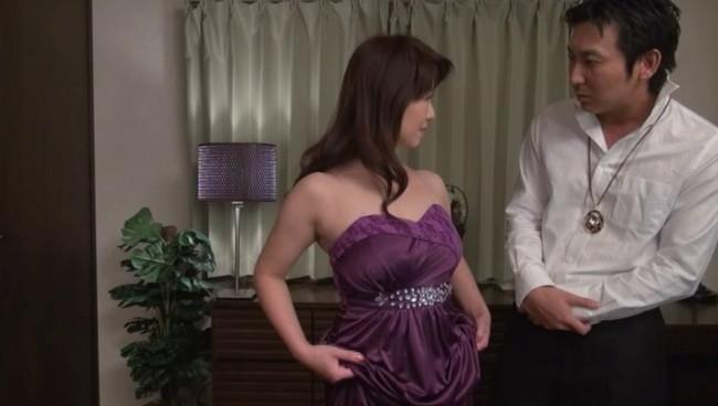 【おっぱい】あり余った性欲のはけぐちは息子のムスコ!心もカラダもまだまだ若いお母さんとのセックス画像がエロすぎる!【30枚】 26