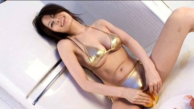 【おっぱい】ファーストとは思えない程のセクシーショット!Iカップの巨乳フレッシュアイドルの神川ゆなちゃんのおっぱい画像がエロすぎる!【30枚】 08