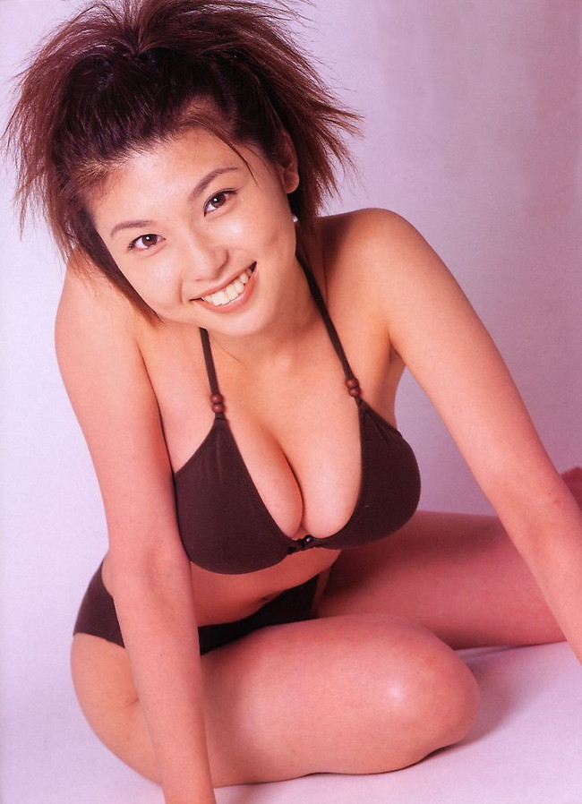 【おっぱい】グラビアだけでなく幅広い活躍をみせたFカップグラビアアイドル・川村亜紀ちゃんのおっぱい画像がエロすぎる!【30枚】 12