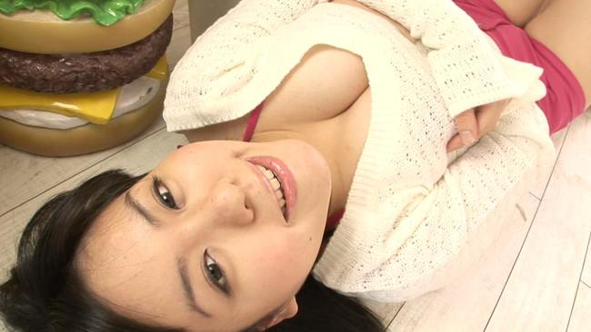 【おっぱい】あふれんばかりのIcupな103cm超級オッパイ!爆乳グラビアアイドルの菅野ゆうこちゃんのおっぱい画像がエロすぎる!【30枚】