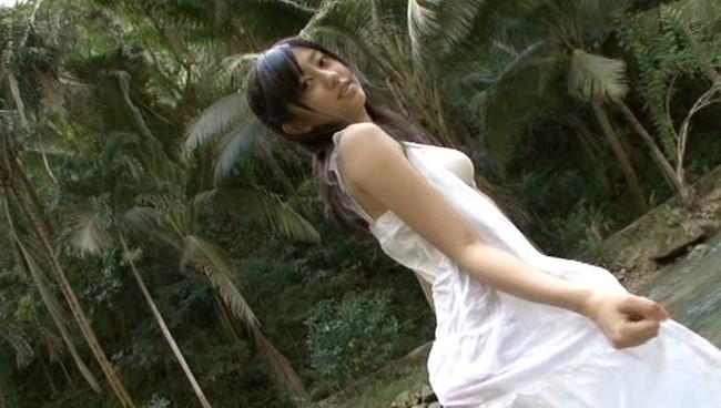 【おっぱい】まん丸笑顔とくりくりお目々がトレードマーク!TV、グラビアで大活躍の菊地亜美ちゃんのおっぱい画像がエロすぎる!【30枚】 18