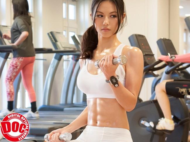 【おっぱい】体を鍛えてエロい体にもなったマッスルビューティーな女性のおっぱい画像がエロすぎる!【30枚】 09